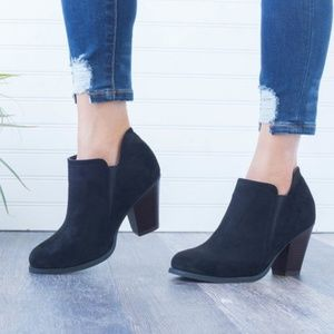 Shoes - PREORDER Black Faux Suede Ankle Bootie